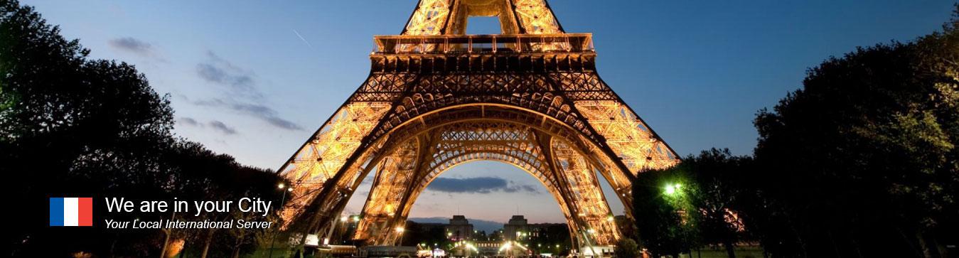 Server in Paris
